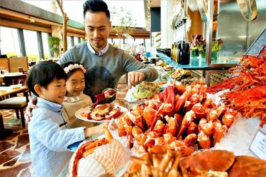 fathers-day-sunday-brunch-buffet-at-harbourside-restaurant-in-kowloon