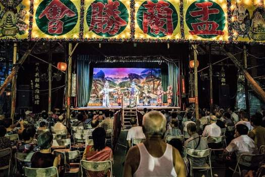 cantonese-opera-performance-in-hong-kong