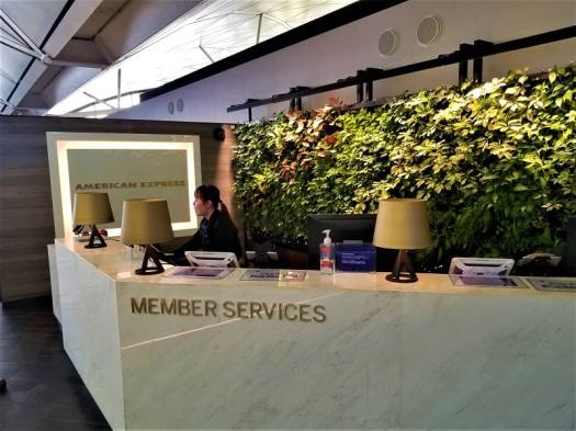centurion-lounge-member-services-counter