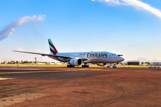 emirates-airline-lands-at-mexico-city-international-airport