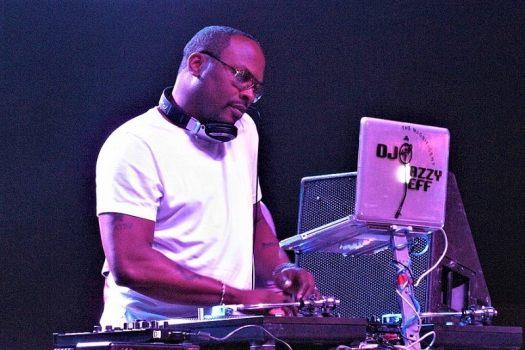 dj-jazzy-jeff-spinnng-discs