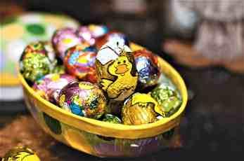 sweden-easter-candy-eggs-lola_akinmade_åkerström