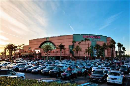 honda-center-parking-lot
