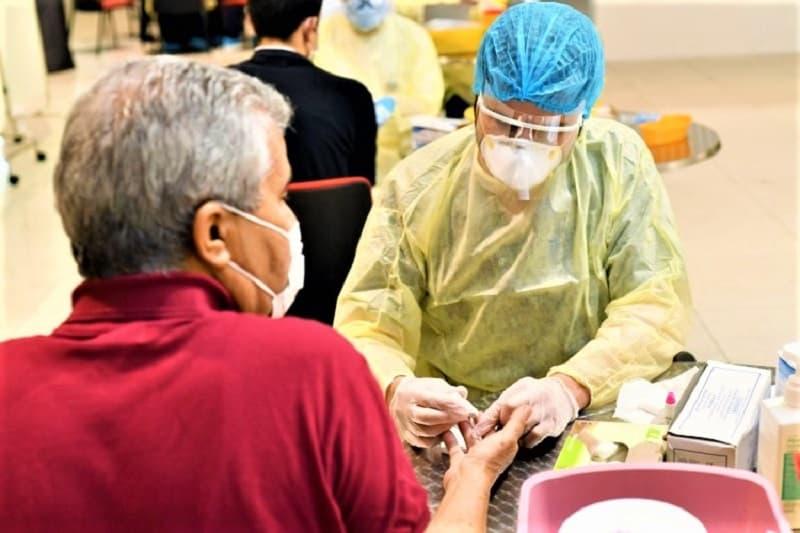 emirates-coronavirus-testing-one-passenger