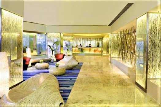 regal-oriental-hotel-lobby