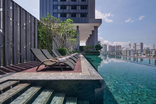 penang-courtyard-by-marriott-swimming pool