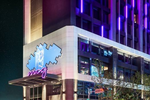 moxy-taichung-hotel-exterior