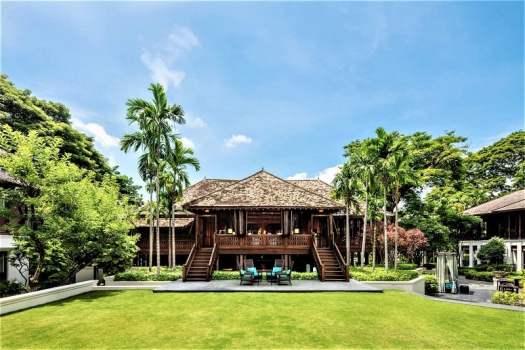 pillar-house-lobby