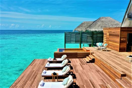 spa-relaxation-deck