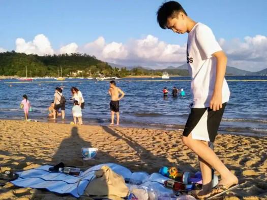 taipo-lung-mei-beach-beachgoer