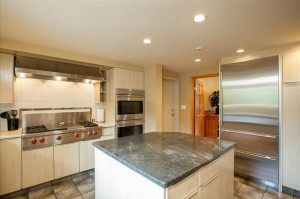 Whistler Lorimer Ridge Rental Chalet Kitchen