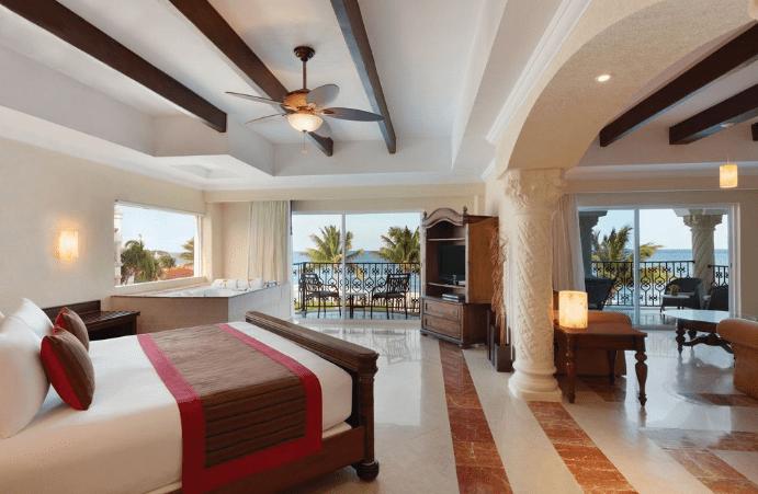 The-Royals-Playa-Del-Carmen-rooms.