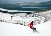 Skiing-In-Aviemore-Scotland