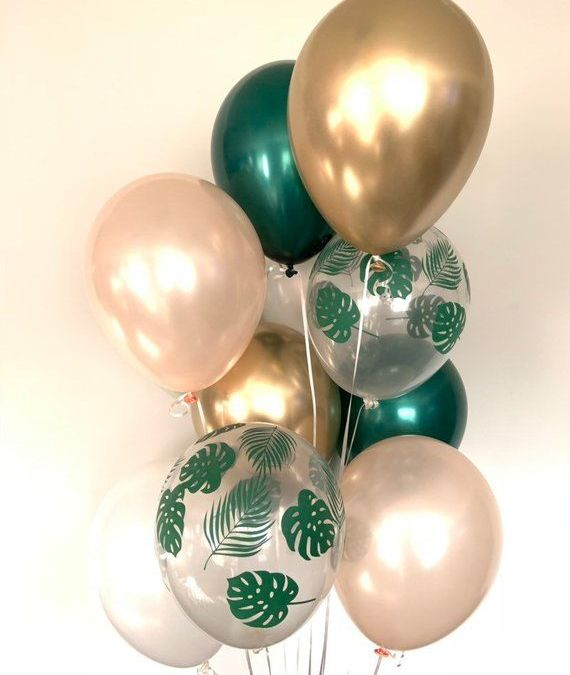Sur Pinterest Tropical Balloons | Green Bridal Shower Decor | Green and Gold