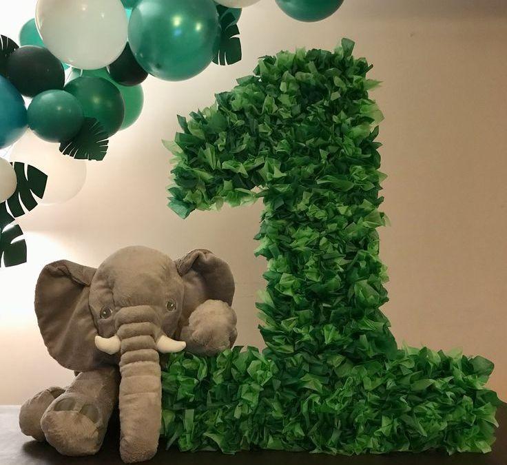 Sur Pinterest Aiden's first birthday! #jungle #birthday #party #balloons #babyshower