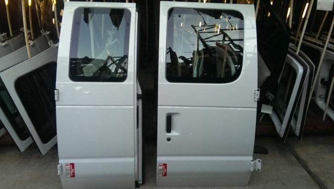 Ford-Van-side-door-1024x579