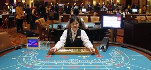 カジノで人気のカードゲームで勝つ