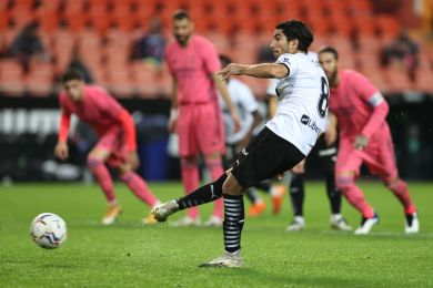 Zidane reacts as Valencia thrash Real Madrid 4-1