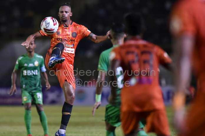 Aksi Persiraja vs Bhayangkara FC di Pekan Pertama Liga 1 2020