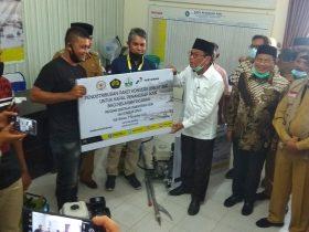 Nelayan Bireuen Terima Bantuan Mesin Boat Bahan Bakar Gas dari Kementerian ESDM
