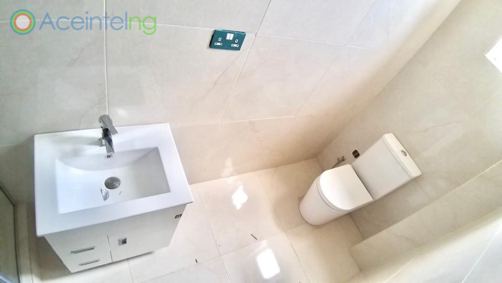 3 bedroom flat for sale in banana island ikoyi (New) - toilet
