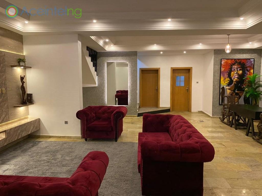 4 bedroom duplex for shortlet in lekki phase 1 lagos - living room