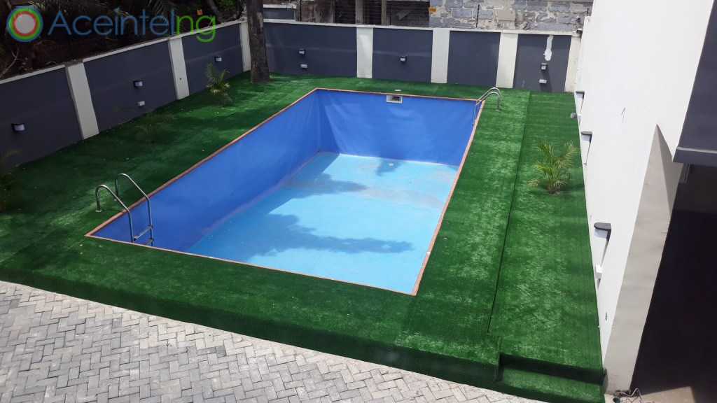 4 bedroom duplex for sale in Victoria Island Lagos Nigeria - swmming pool