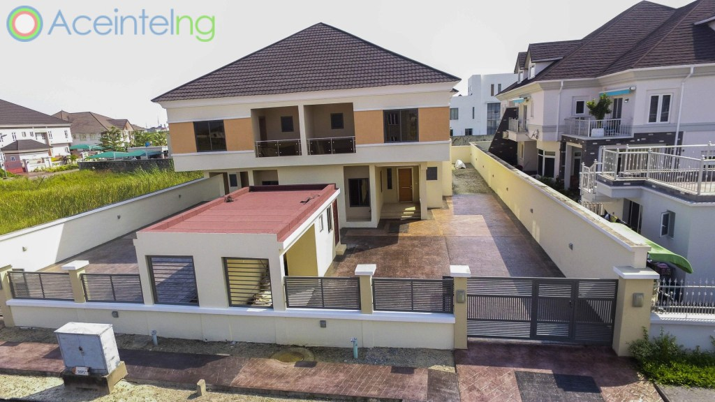 4 bedroom Semi detached duplex for sale in pinnock beach osapa lekki lagos - view