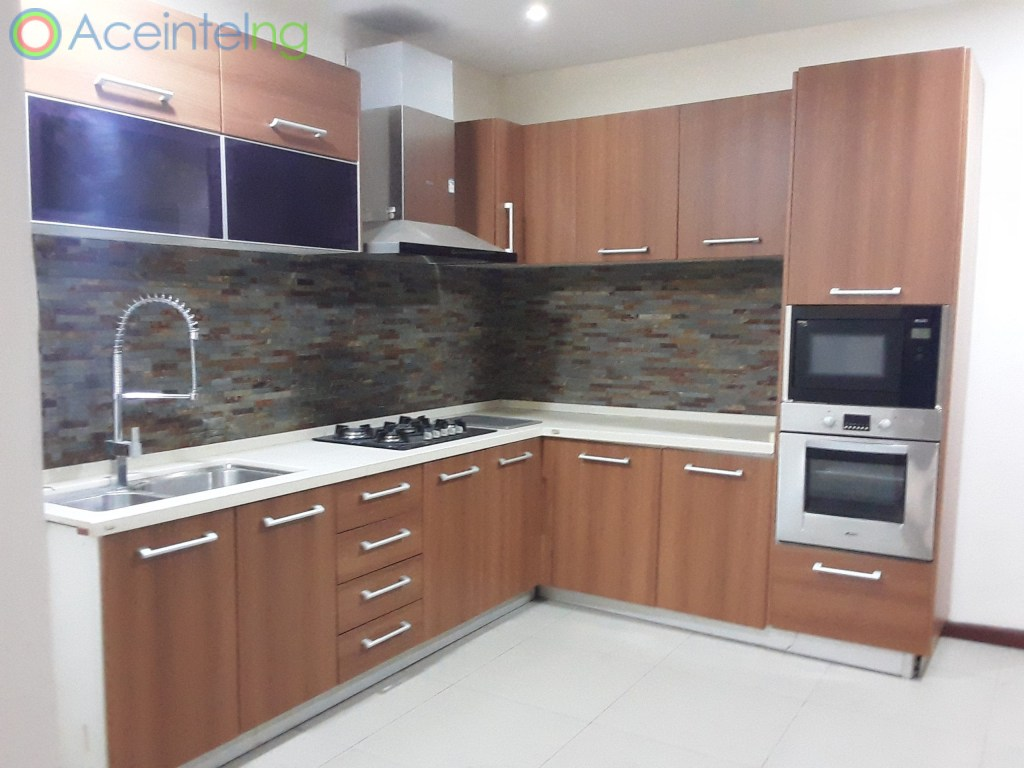 4 bedroom flat for rent in Ikoyi - off Alexander - kitchen