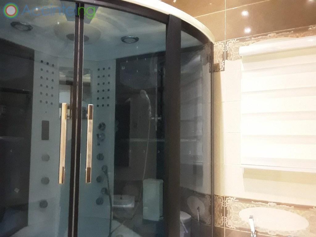 5 bedroom duplex for shortlet in chevron lekki lagos - Jet shower bath