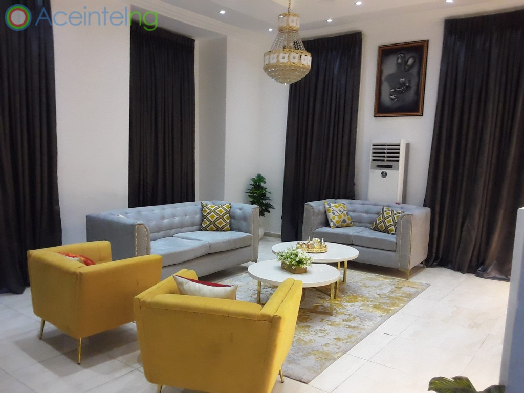 5 bedroom duplex for shortlet in chevron lekki lagos