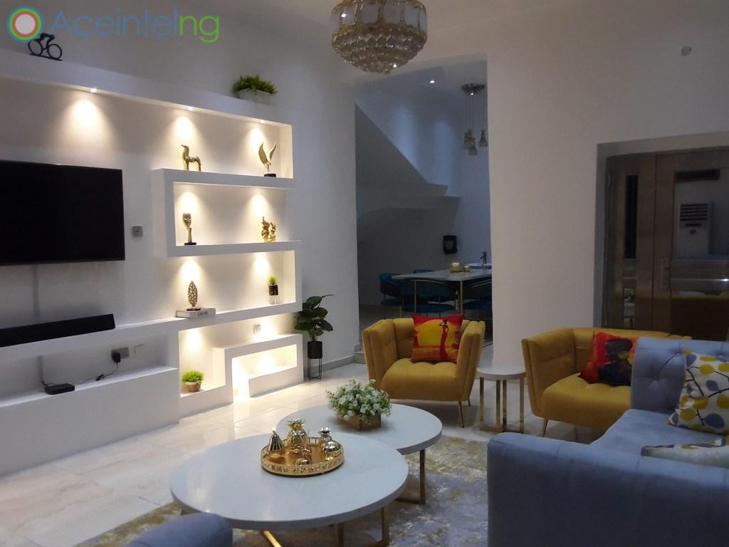 5 bedroom duplex for shortlet in chevron lekki lagos - livingroom view