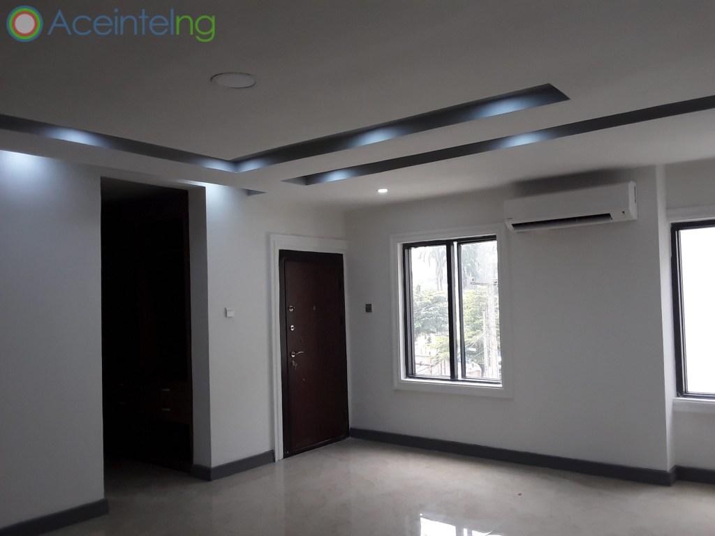 3 bedroom flat for rent in Ikoyi Lagos Nigeria - masters bedroom