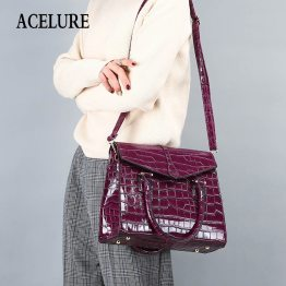 Crocodile Pattern Shoulder Bag