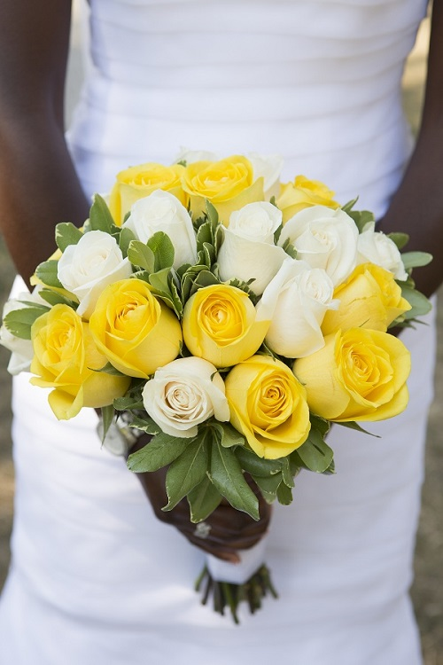 Yellow Cream Rose Wedding Bouquet A Central Park Wedding Get