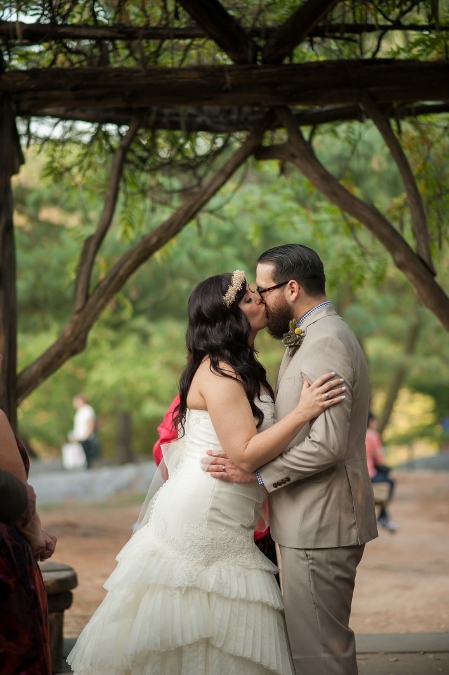 first-kiss-copt-cot-wedding-central-park