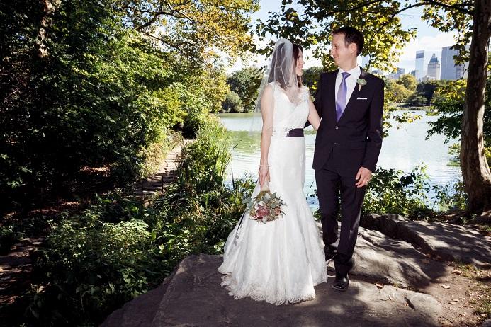 ladies-pavilion-wedding-portraits-the-lake