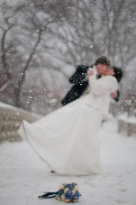 bow-bridge-winter-wedding-portrait