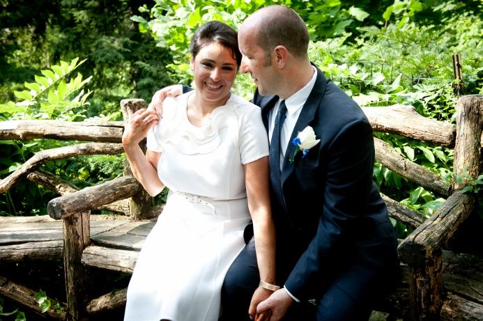 rustic-wooden-bench-shakespeare-garden-wedding