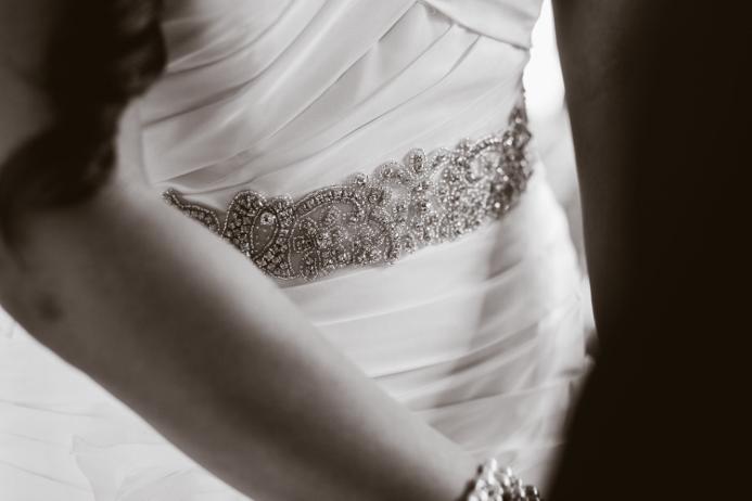 dress-detail-wedding-photo