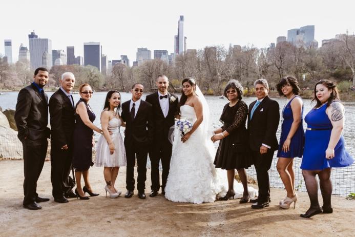 group-wedding-photo-the-lake-ladies-pavilion