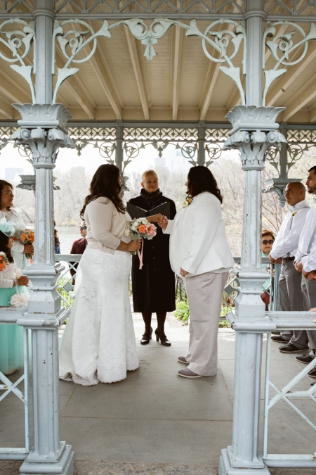 april-wedding-at-ladies-pavilion-nyc