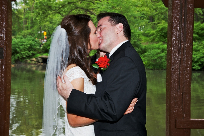 spring-wedding-at-wagner-cove-central-park-25