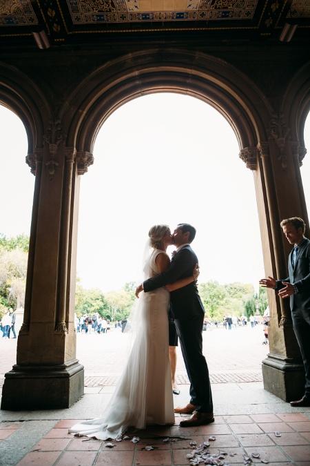 destination-wedding-at-bethesda-fountain (29)