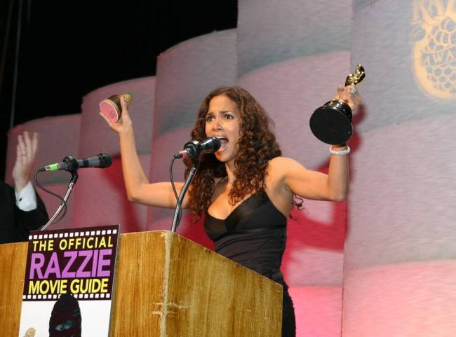 This image has an empty alt attribute; its file name is rs_1024x759-190215113414-1024-halle-berry-razzie-awards.jpg