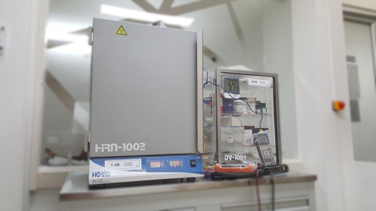 Horno y Desecador de laboratorio