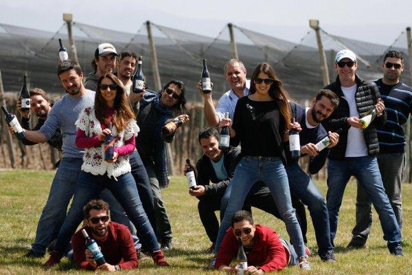 Productores amigos en una Feria de Vinos en Buenos Aires