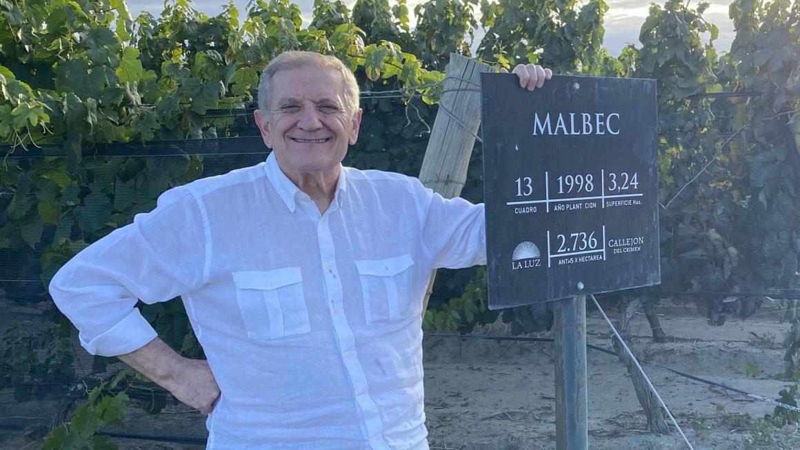 El vino ayuda: la historia de un bodeguero argentino y las repatriaciones solidarias en cuarentena