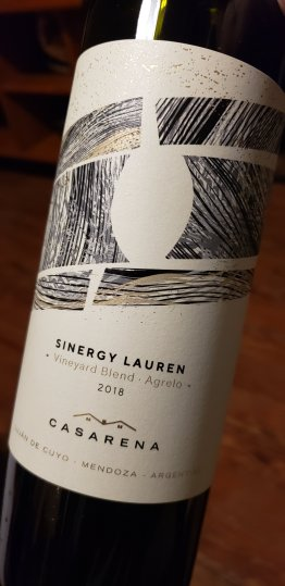 casarena sinergy vineyard blend Lauren