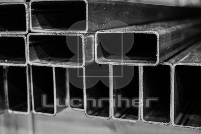 Los perfiles tubulares de acero rectangular permiten acabados superficiales por medio de galvanizado en caliente o granallado y prepintado logrando una atractiva y durable apariencia